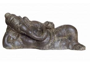 Ganesha Allongé