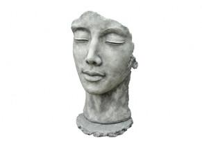 statue visage femme pierre