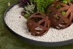 Sphère ajourée métal effet rouille