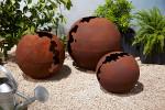 Sphère craquelée métal effet rouille