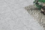 Dalle extérieur grès cérame Terrazzo Grigio 60 x 60 cm ambiance